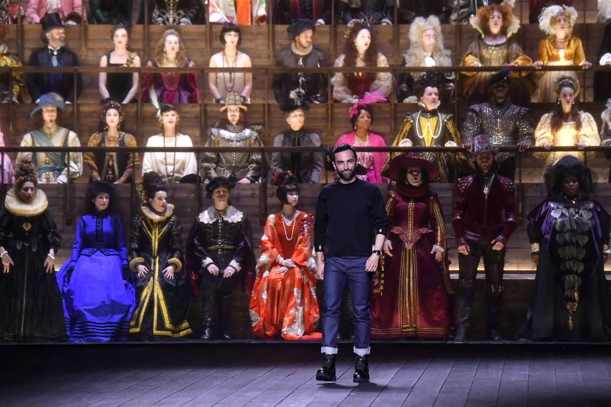 Louis Vuitton's Audience Stepped Out of a Time Machine