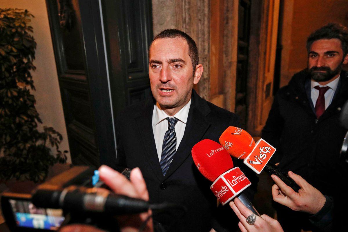 L'autogol del ministro scarpone manda in rovina il calcio italiano