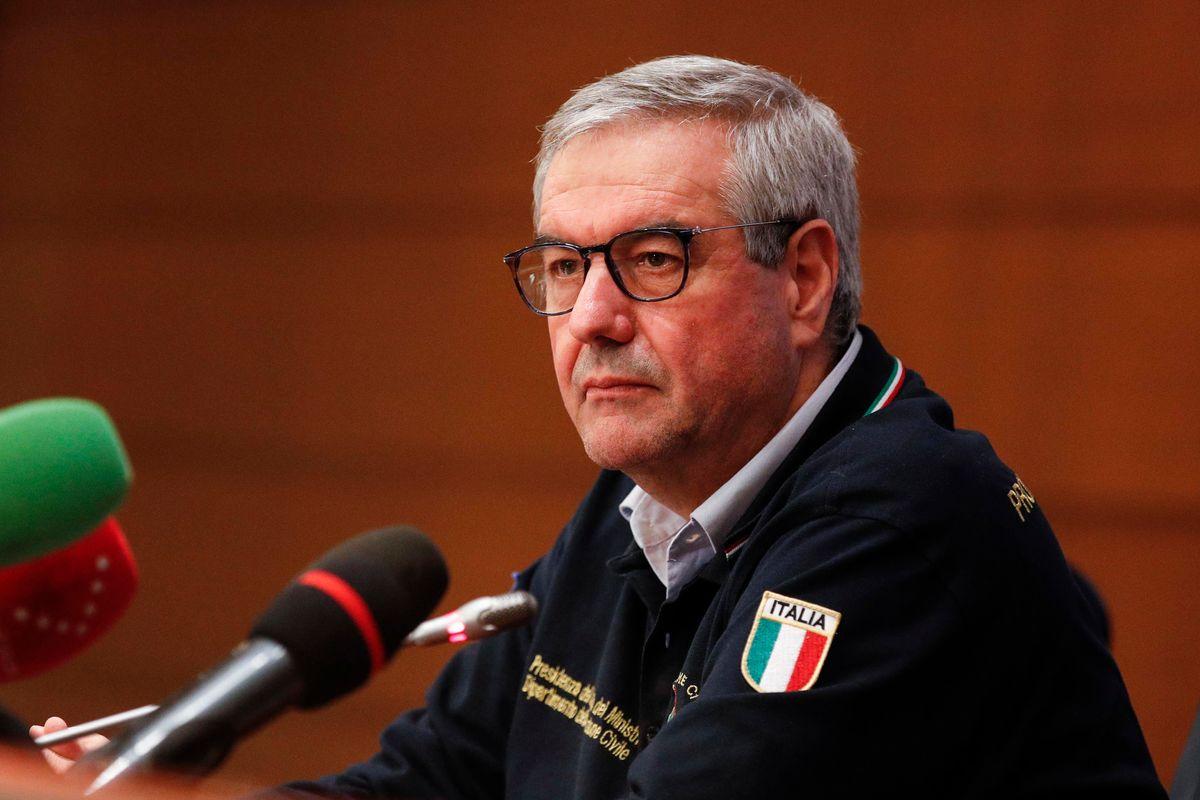 Un commissario con poteri speciali per rimediare all'indeciso Borrelli