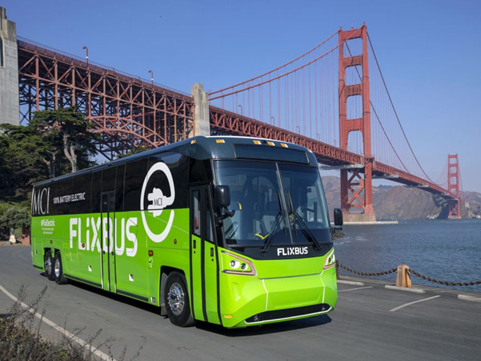 New Flyer bus Golden Gate Bridge