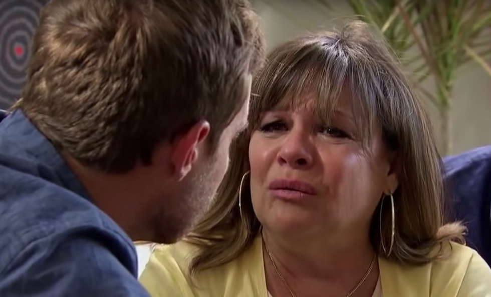 10 Things You Understand If You've Dated A Boy With A Mom Like Barb Weber