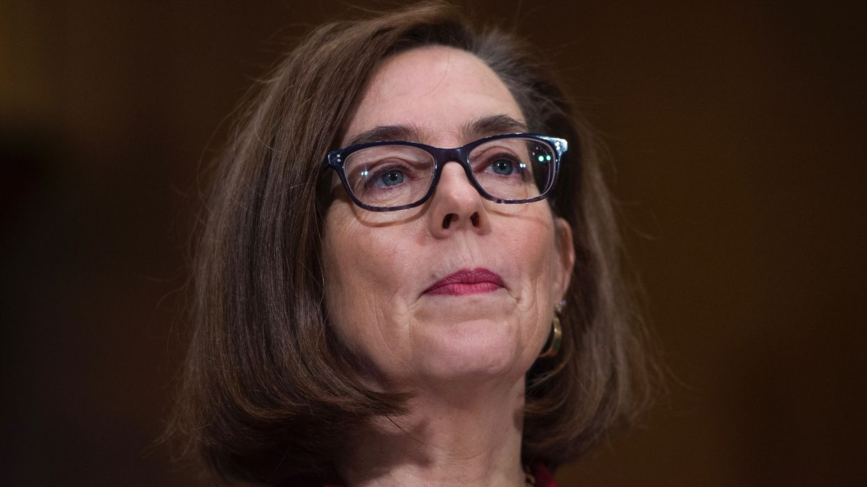 Oregon Governor Signs Sweeping Executive Order to Cut Emissions