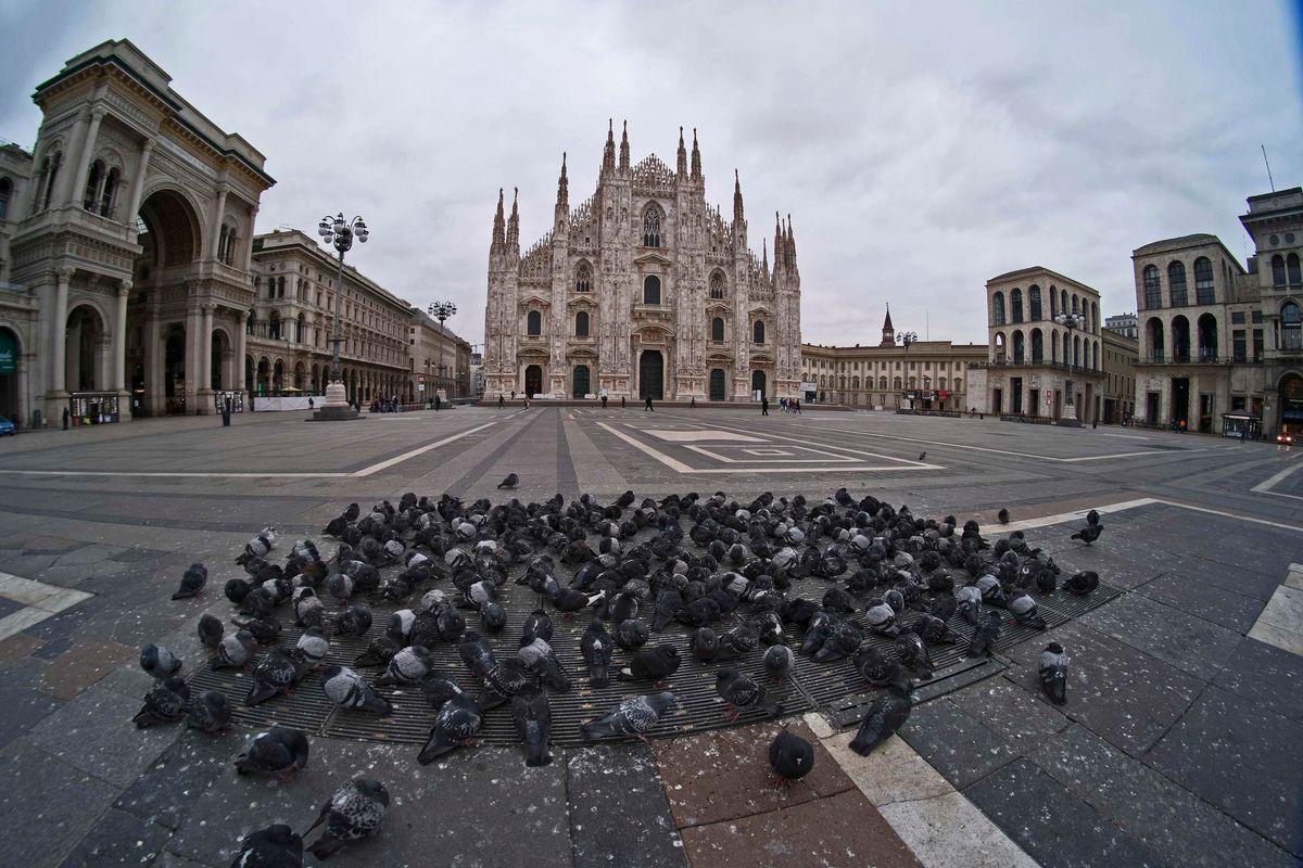 Quarantena Italia. Gli operai insorgono e i fessi a spasso si beccano denunce