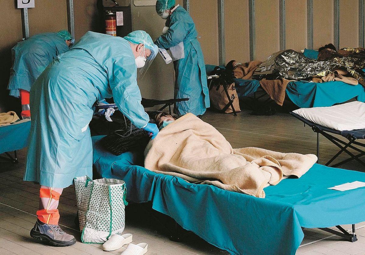 Borrelli gela Milano: niente ospedale in Fiera