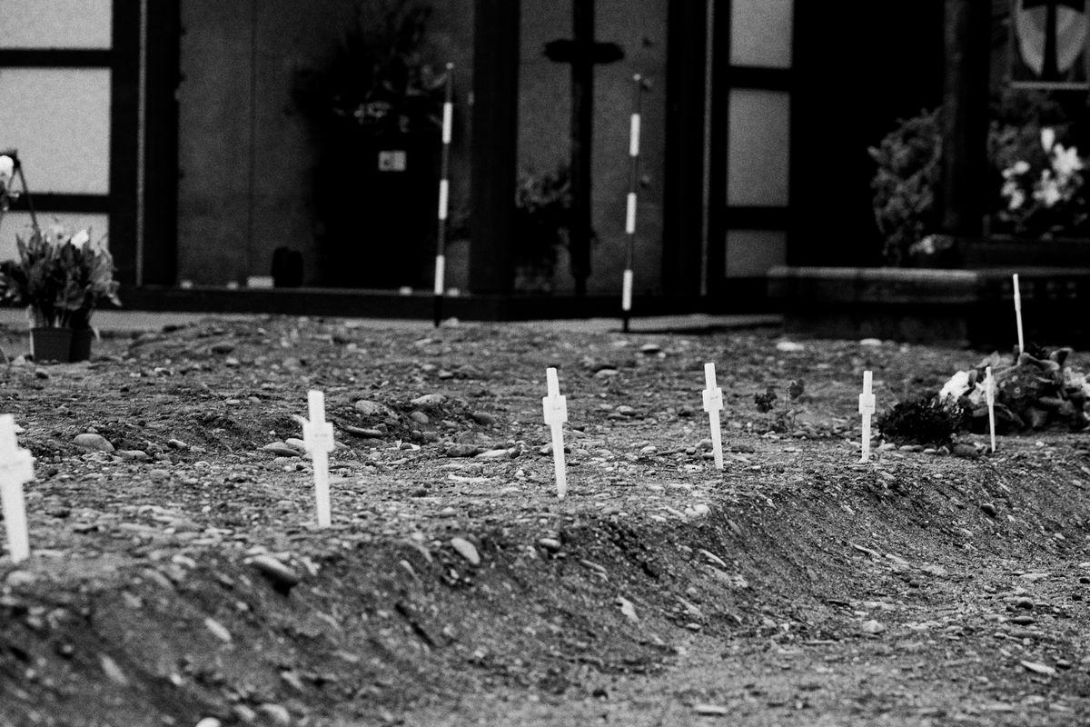 Un addio senza addio. I morti lombardi non hanno nessuno che li pianga