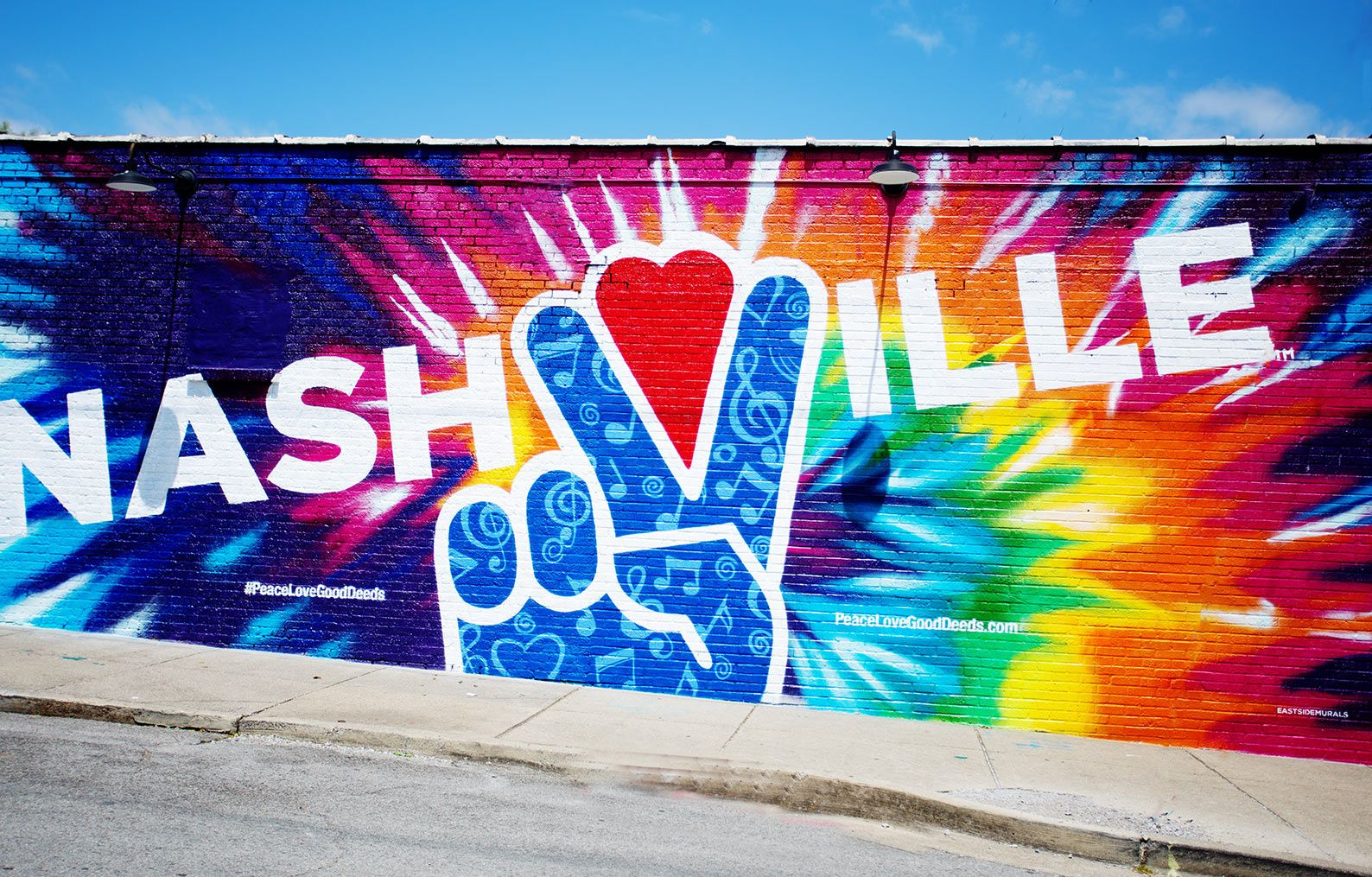 Nashville peace sign mural.
