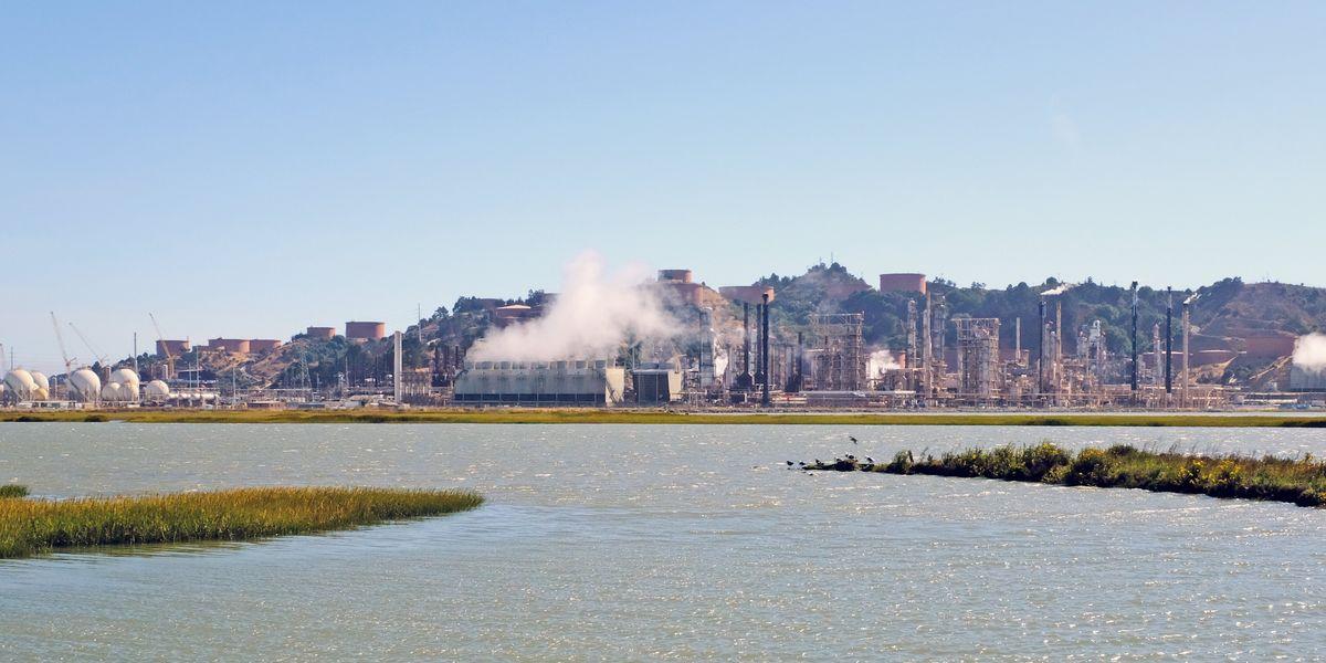 Richmond oil refinery