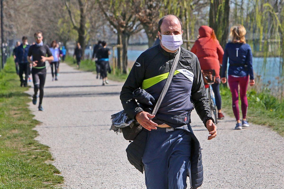 Un altro pasticcio del governo incerto: Spadafora annuncia il divieto di jogging