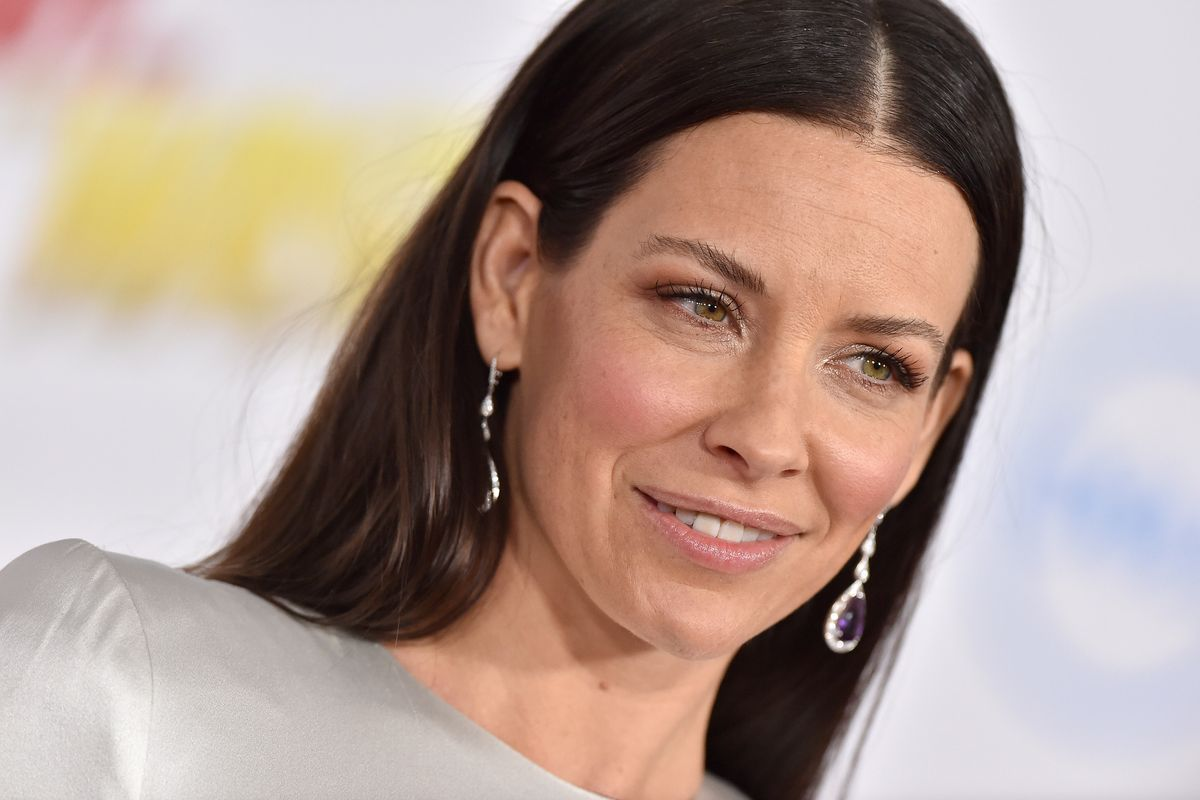 Rugged Individualist Evangeline Lilly Is Refusing to Quarantine