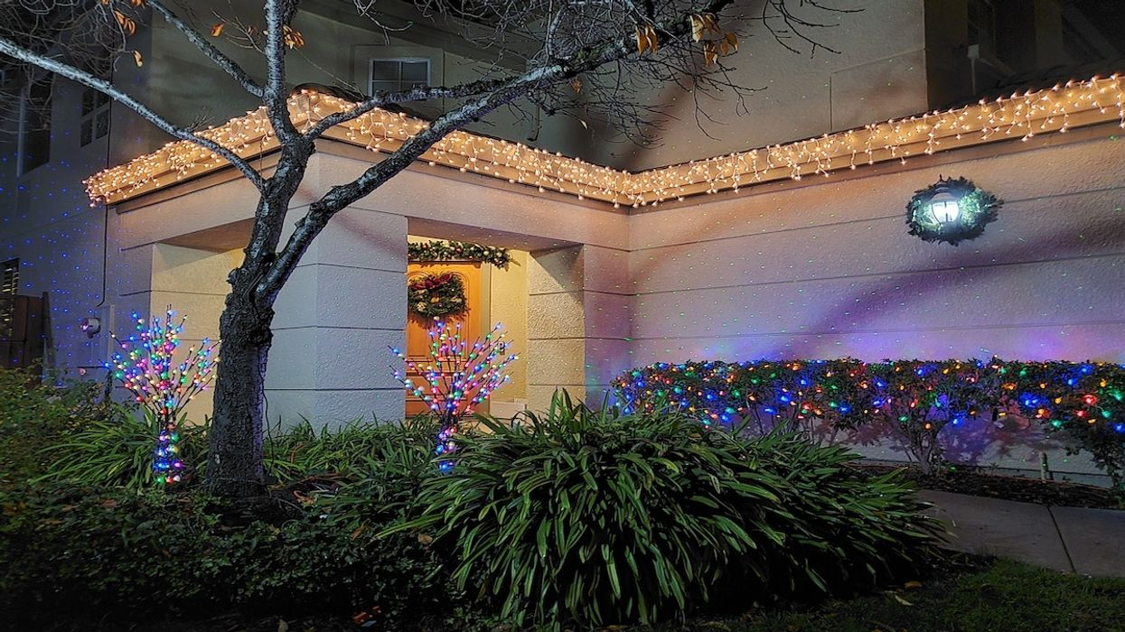 Americans Find 'Holiday Cheer' While Social Distancing