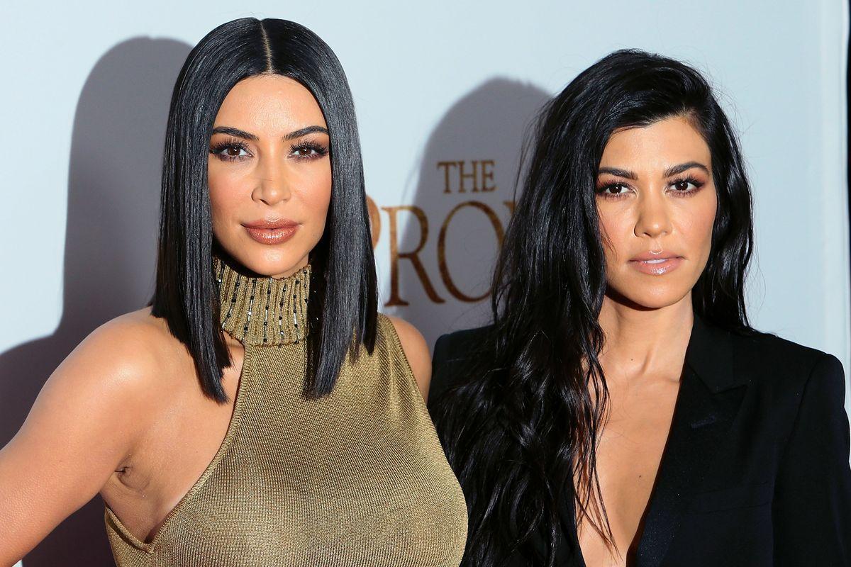 Everyone Is Memeing Kourtney and Kim Kardashian's Fight
