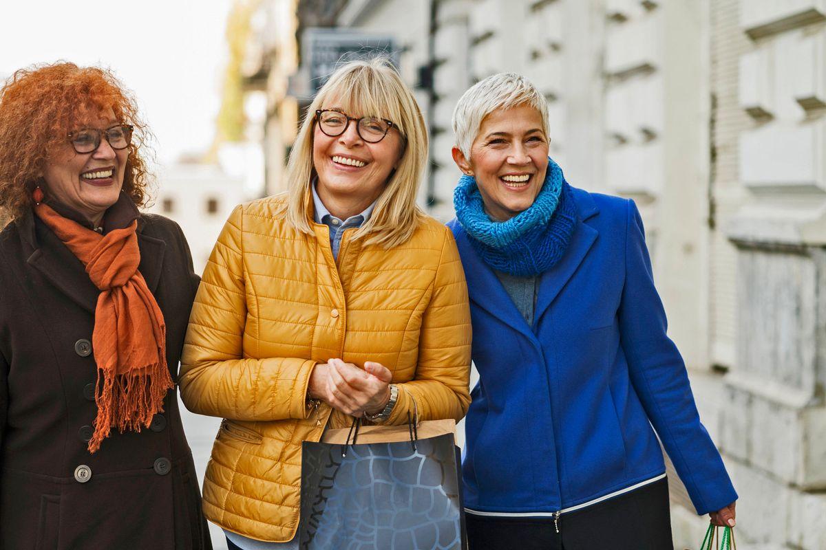 Donne benestanti, libere ed emancipate. La menopausa crea le consumatrici ideali