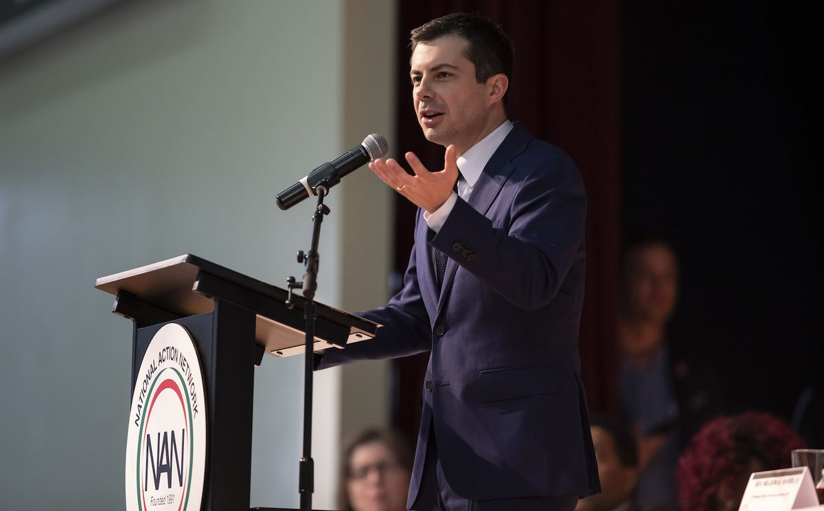Mayor Pete Buttigieg butts in on McDonald's workers' minimum wage protest — then the protest turns on him
