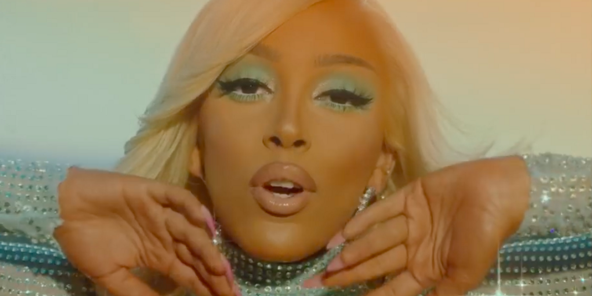 """See Every Extremely '70s Beauty Look From Doja Cat's """"Say So"""" Video"""