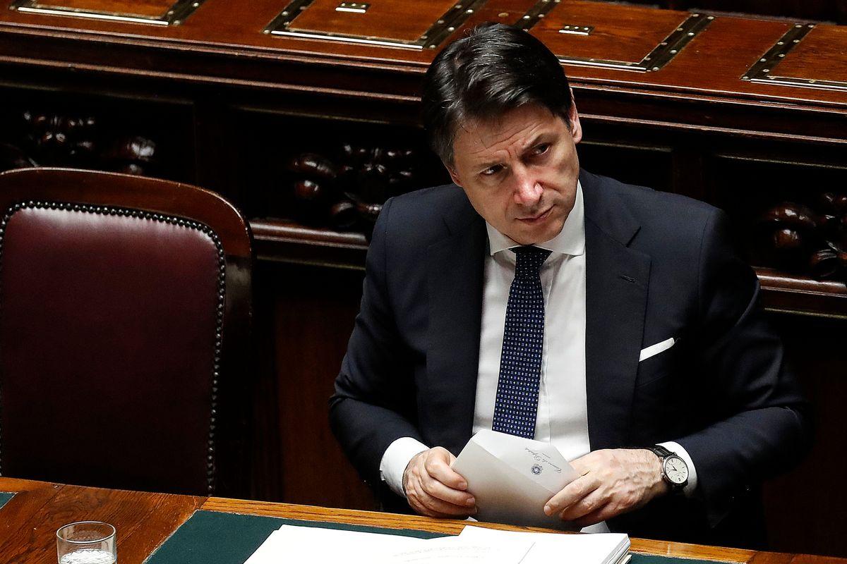 Giuseppi, l'infettivologo del popolo, mette in quarantena pure Zingaretti