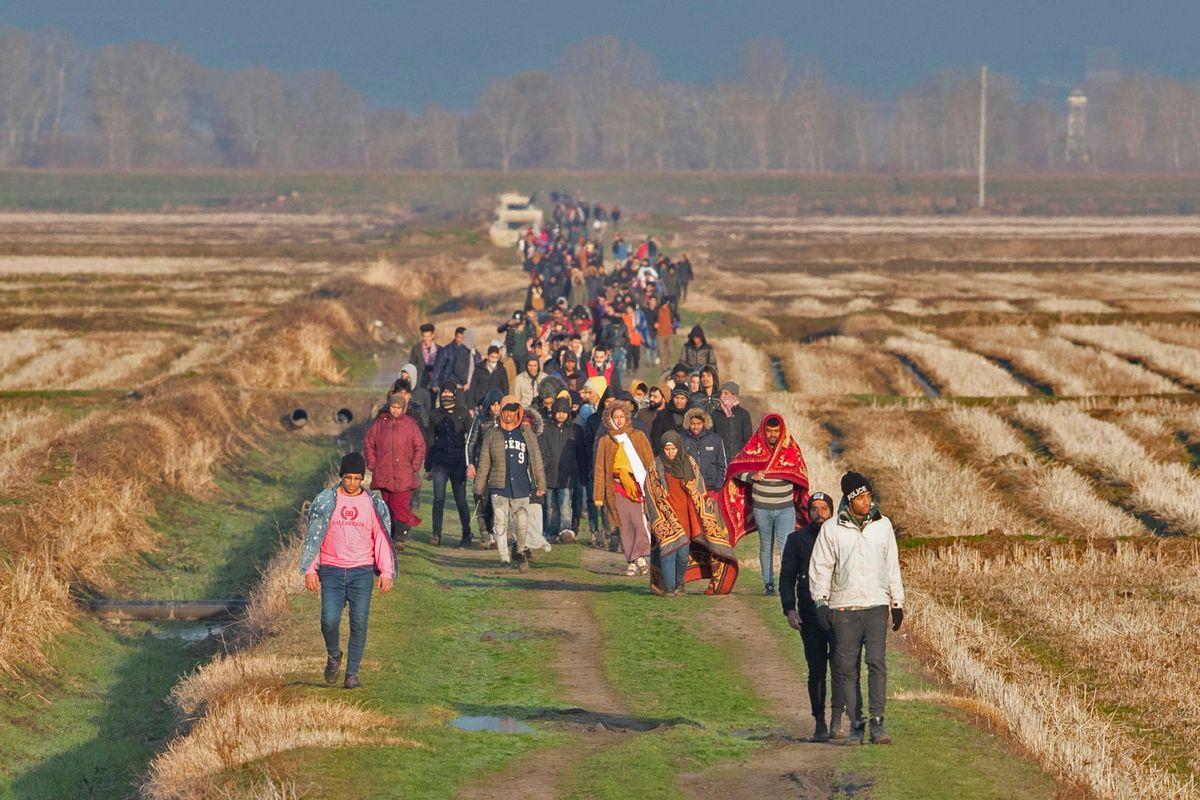 Ricatto turco: 120.000 migranti ai confini