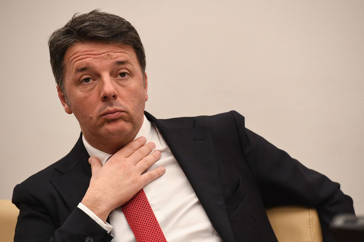 Renzi cerca la ribalta: «Riapriamo tutto». Ma viene seppellito da un coro di fischi
