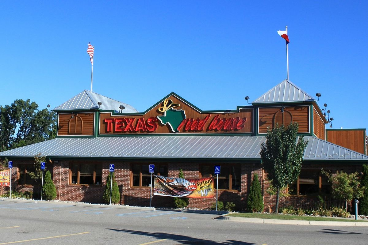 Texas Roadhouse CEO giving up his salary and bonus to pay workers during coronavirus outbreak