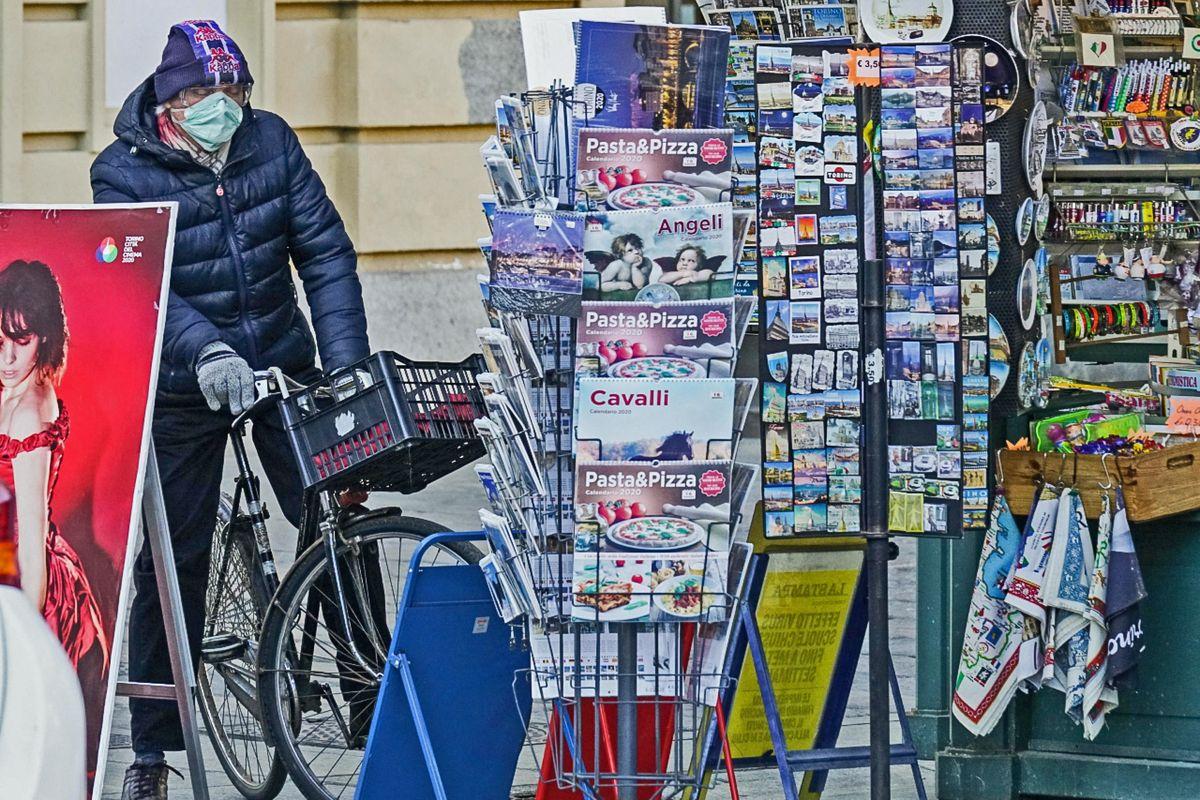 Da edicolanti a rider per i giornali a domicilio