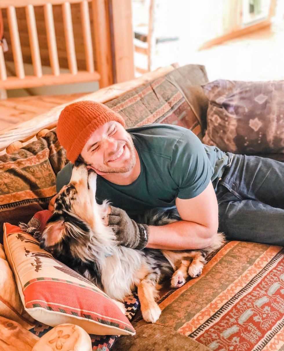 Kellan Lutz and his dog.