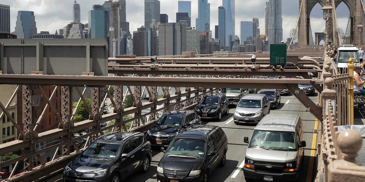 Trump Expected to Announce Weakened Fuel Efficiency Rules, Increasing Air Pollution