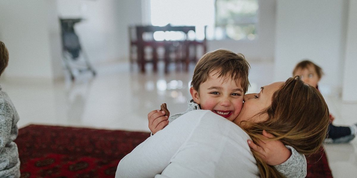 8 positive parenting tips to connect with your child in less than 5 minutes