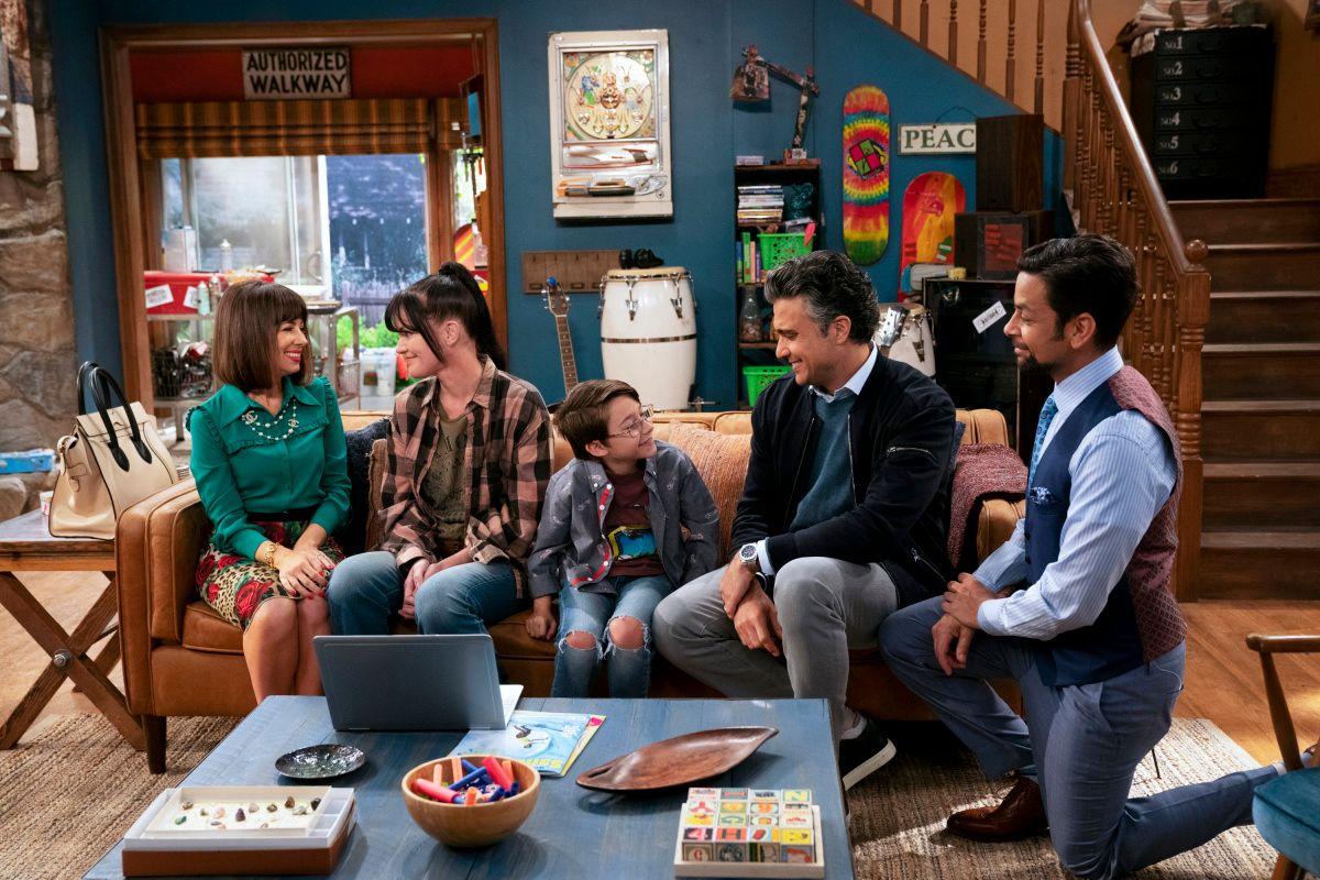 Natasha Leggero, Pauley Perrette , Jaime Camil, Antonio Raul Corbo, and Izzy Diaz on the set of TV show Broke.