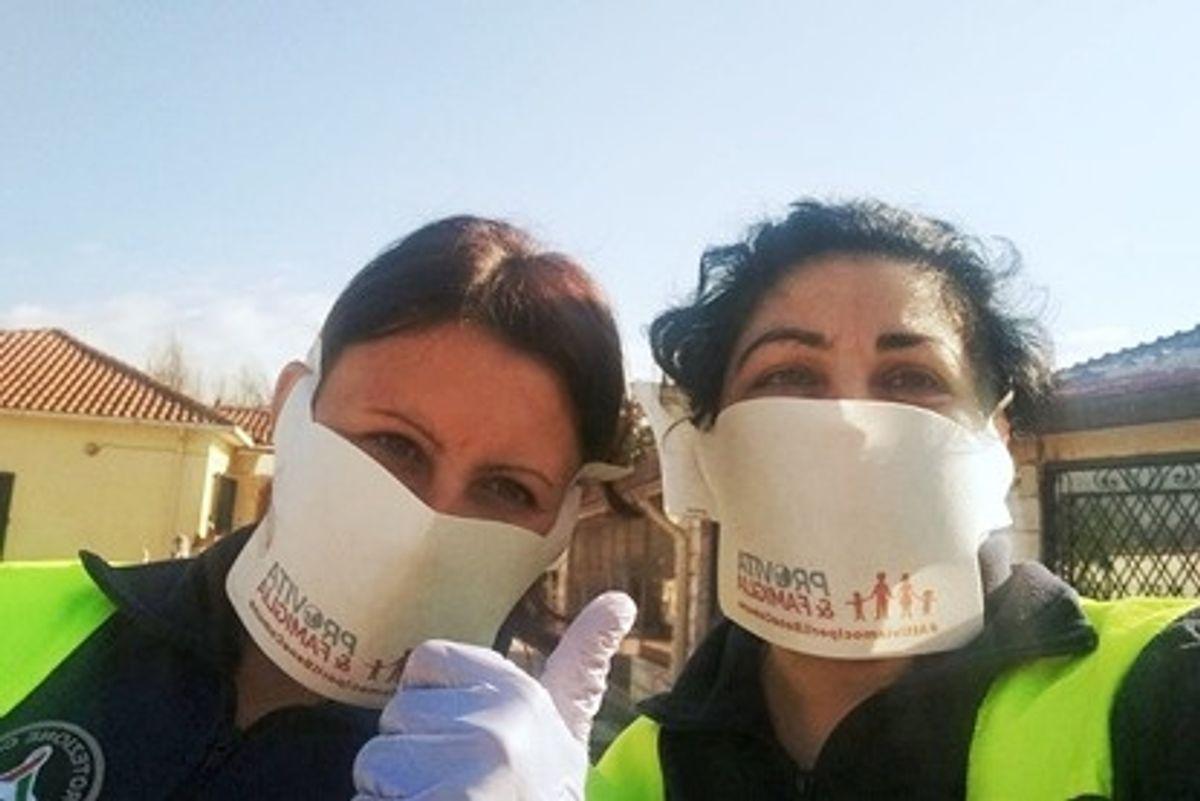 Coronavirus, Pro Vita e Famiglia: «Fatti, non parole: 30.000 euro ai bisognosi e 15.000 mascherine distribuite in tutta Italia»