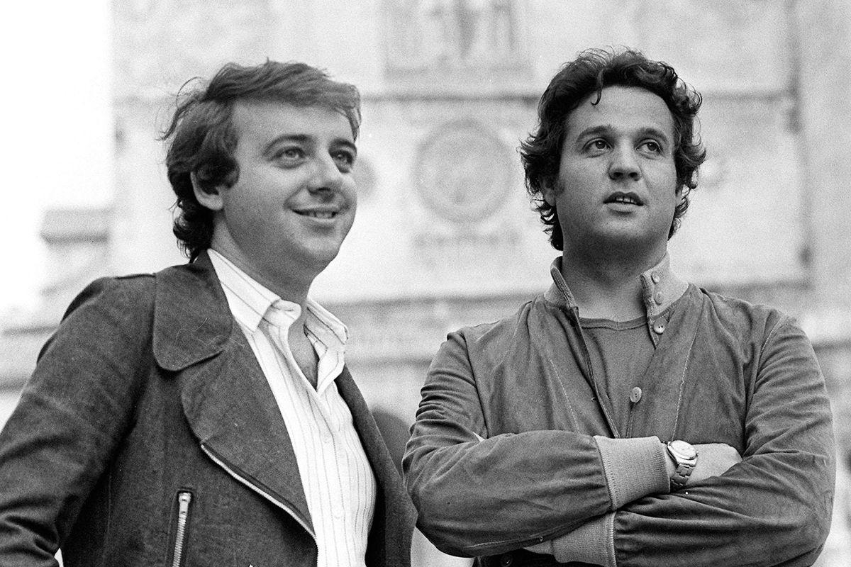 Nelle notti di Milano i comici artisti sapevano far ridere pure senza politica