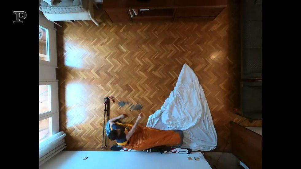 Lo sci ai tempi del Coronavirus nel salotto di casa