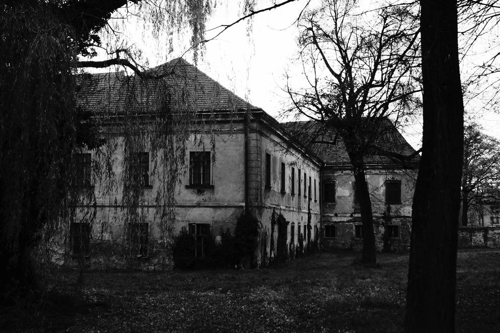 6 Supposedly Haunted Locations in North Carolina
