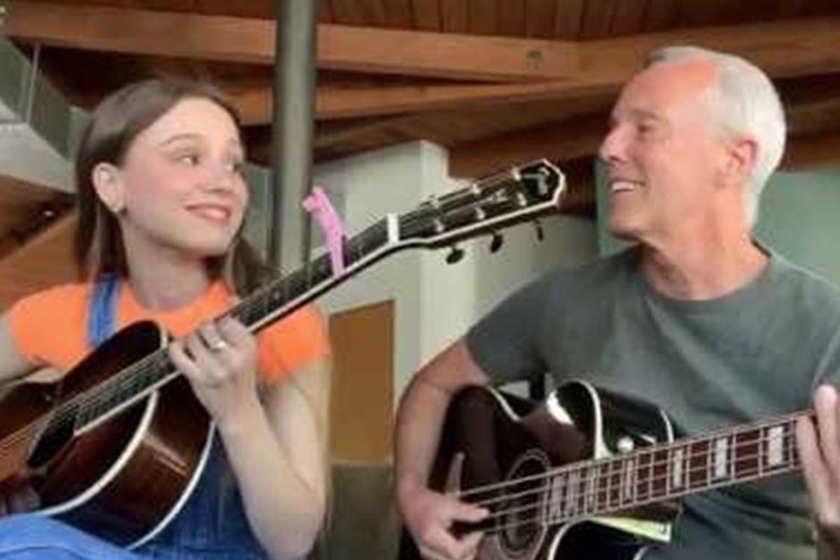 Tears for Fears singer Curt Smith and his daughter shared an acoustic version of 'Mad World'