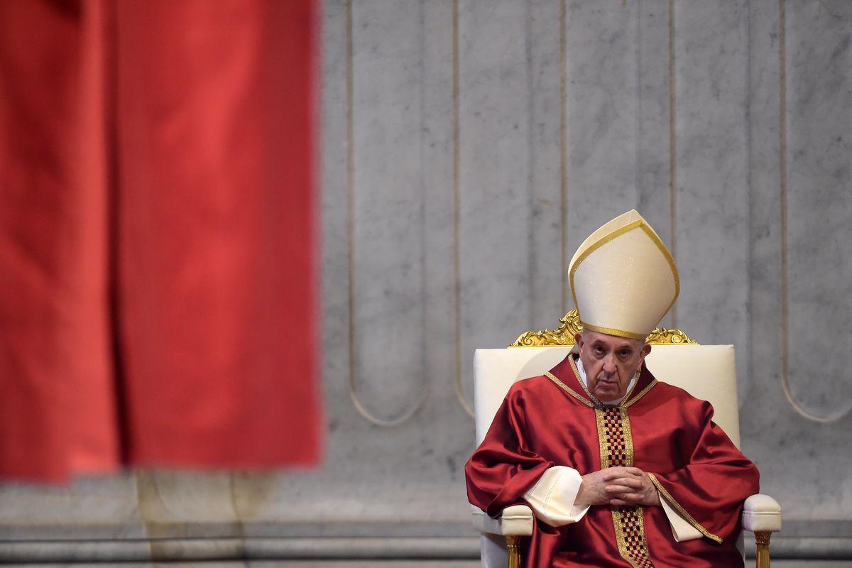 Anche il Papa ha trovato il suo eroe: Casarini