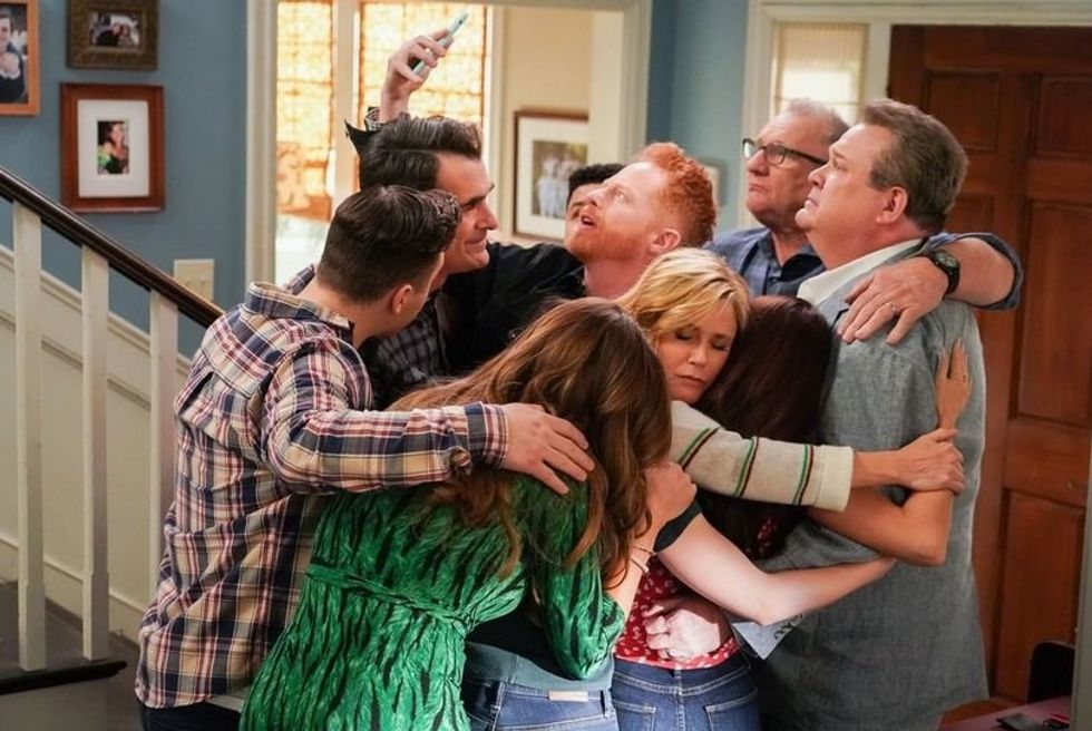 13 GIFs That Perfectly Represent Your Favorite Characters Of 'Modern Family'