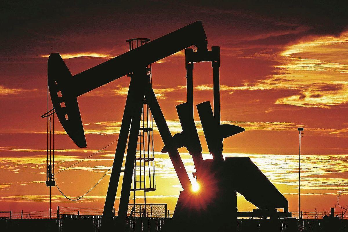 Trump estrae il patto del petrolio. Un taglio mai visto alla produzione