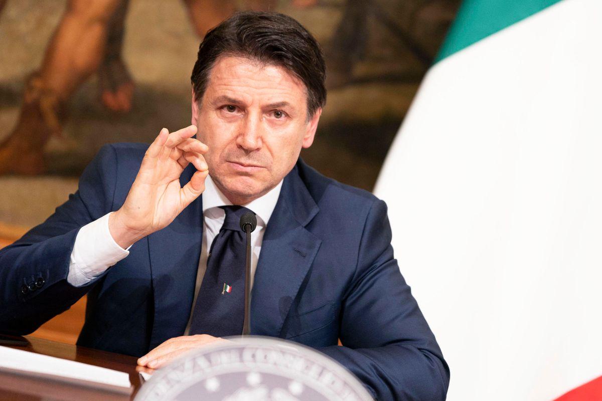 Conte sfiduciato da 2 italiani su 3