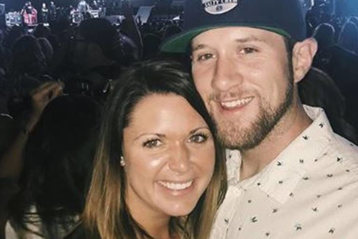 Woman marries the man who helped save her life in the Las Vegas mass shooting