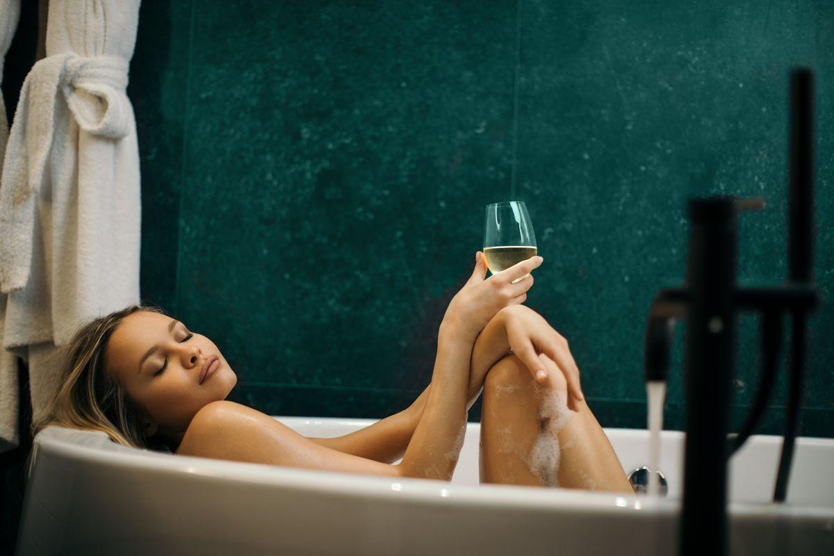 Riscopri il piacere di un bagno caldo. Per purificare corpo e mente