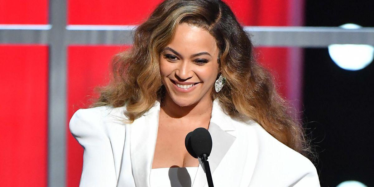 Beyoncé Surprises Fans on the Disney Singalong