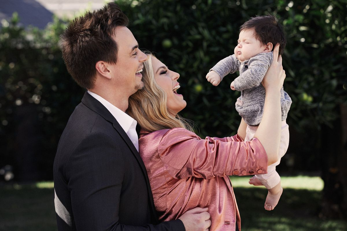 Soap stars Darin Brooks and Kelly Kruger with their newborn baby.