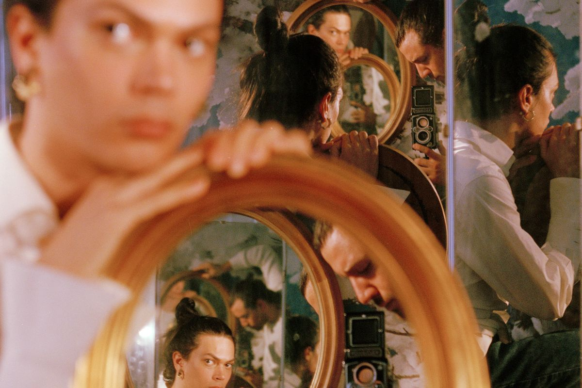 20 Artists Staring At Themselves