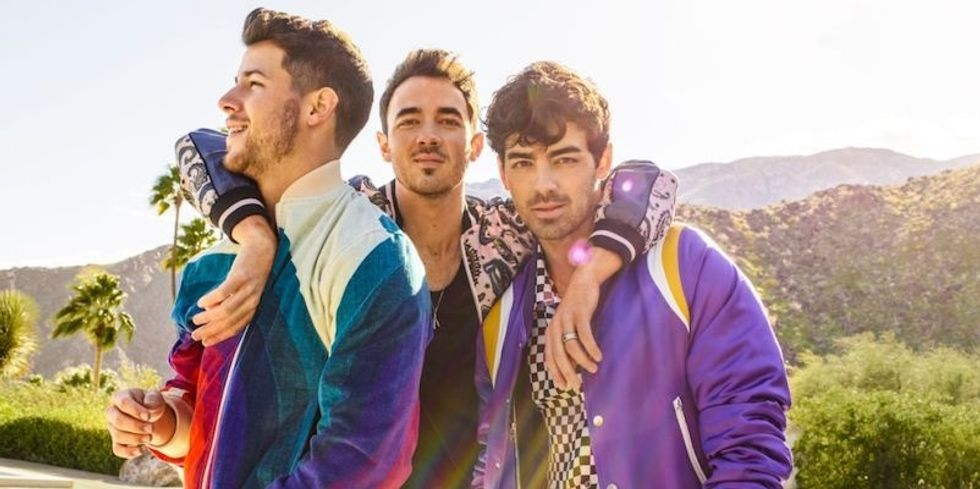 The Jonas Brothers Made A Surprise 'Happiness Begins Tour' Concert Movie And It Drops TONIGHT