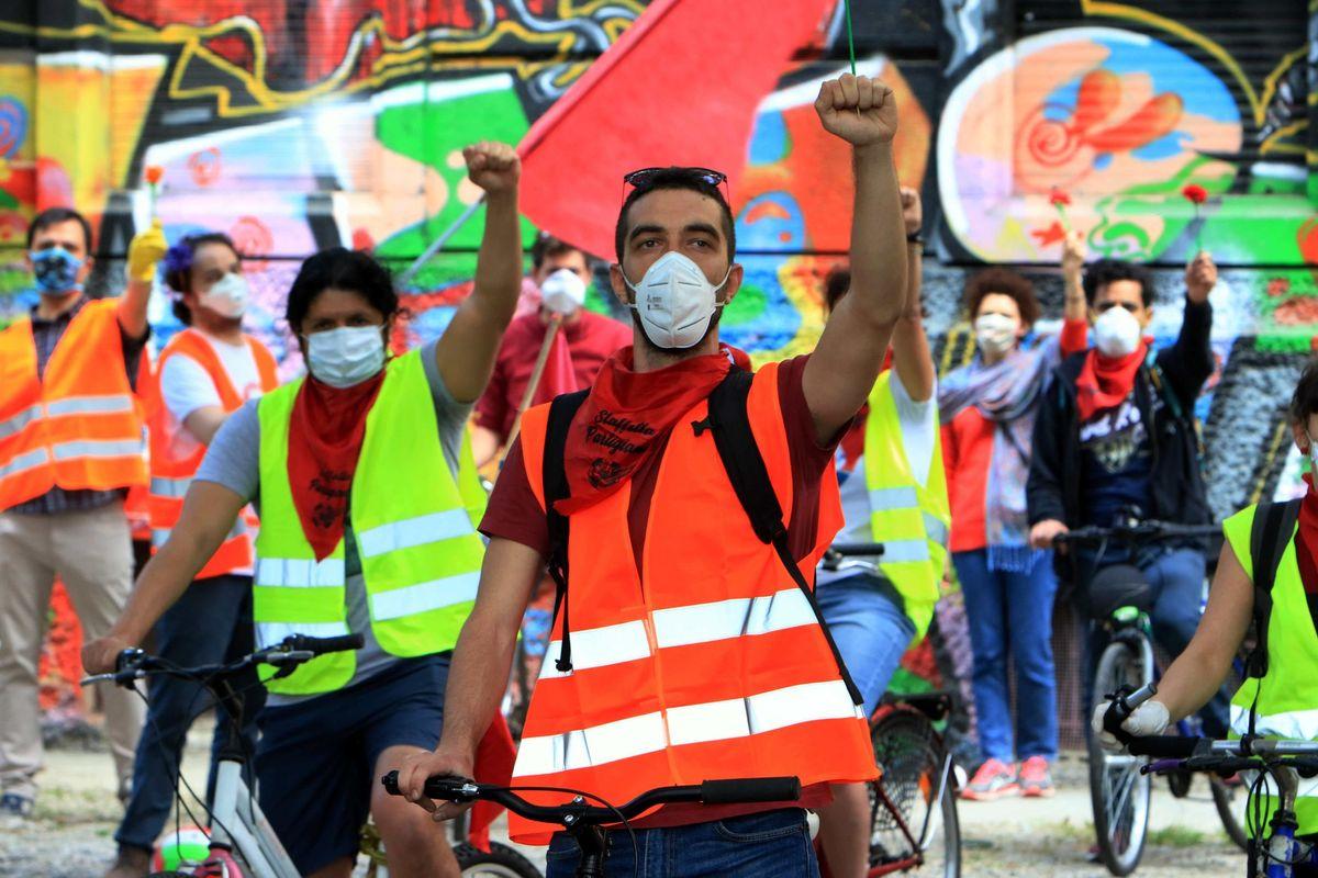 Messe vietate, ma per il 25 aprile le sfilate in strada si fanno lo stesso