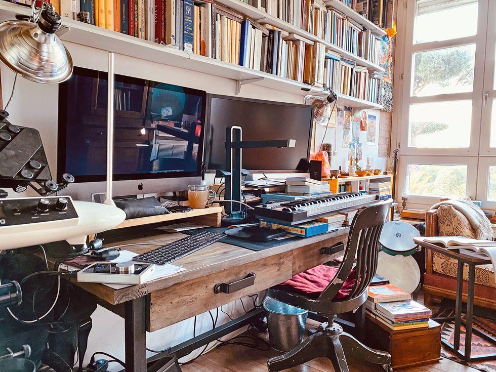 colagrande-scrivania