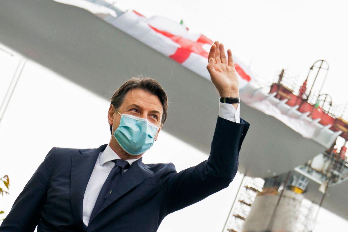 Conte fa la passerella al Nord Italia ma raccoglie la rabbia dei sindaci