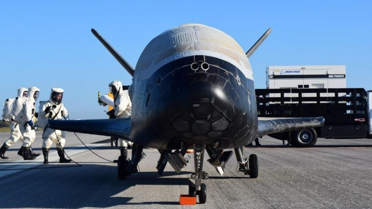 Top-secret U.S. space plane about to leave Earth for years