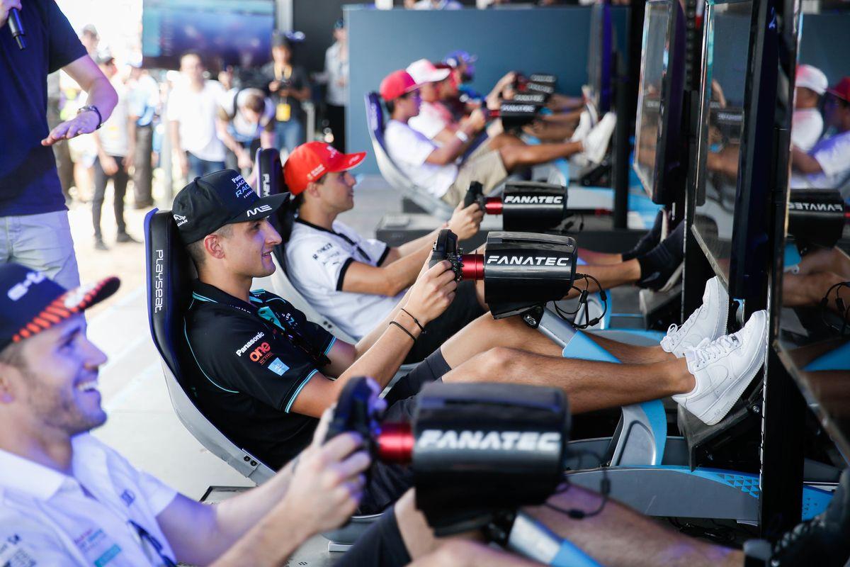 La Formula E non si ferma: piloti in pista con i simulatori virtuali