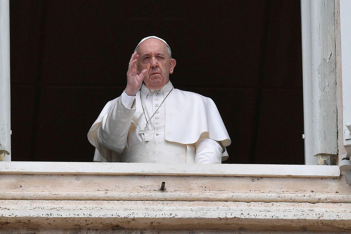 Il Papa choc al giovane autistico: «Forse ci ritroveremo all'inferno»