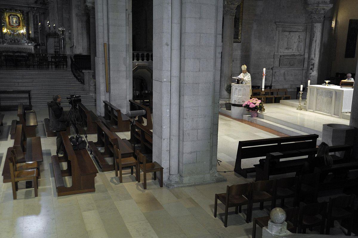 La farsa sull'apertura delle messe rivela l'anima anticristiana di questo governo