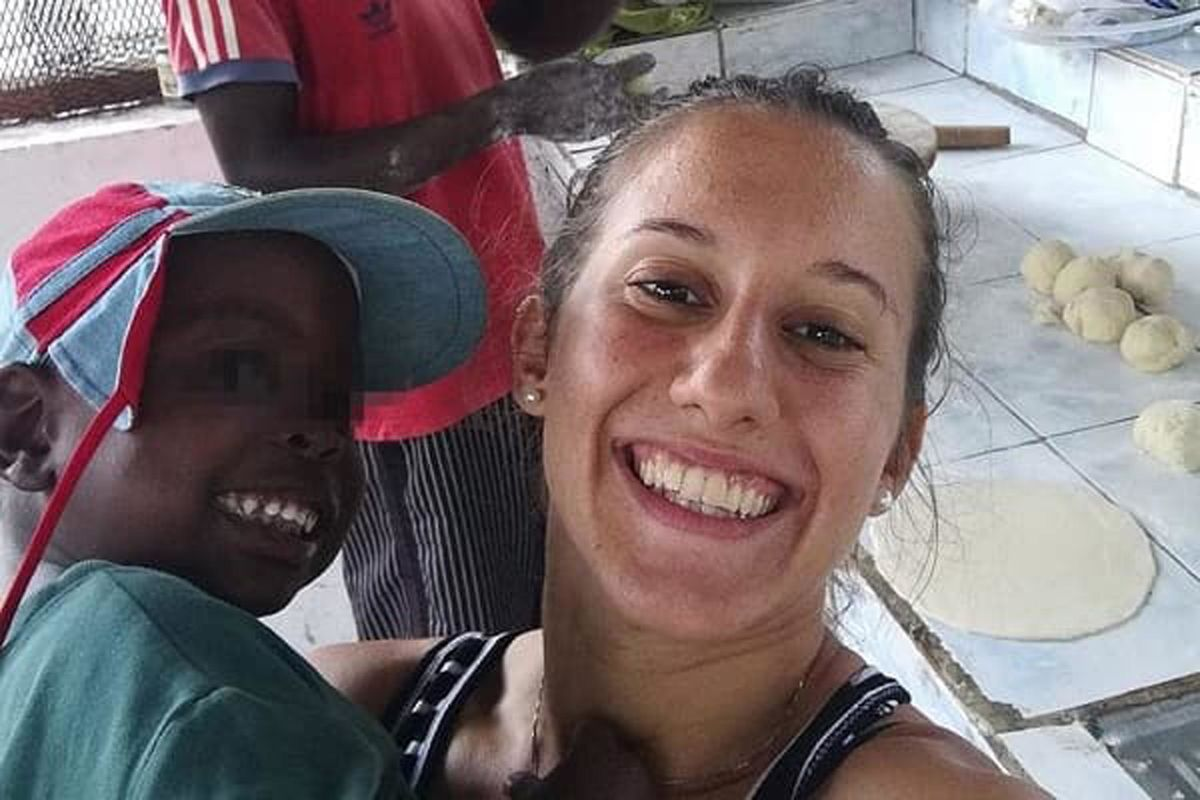 I servizi liberano da Al Shabaab Silvia Romano: sta bene